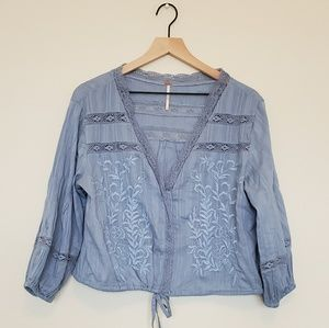 Free People light blue embroidered boho top Large